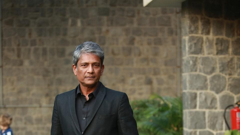 Actor Adil Hussain says every artiste expects to receive the National Award from the President.