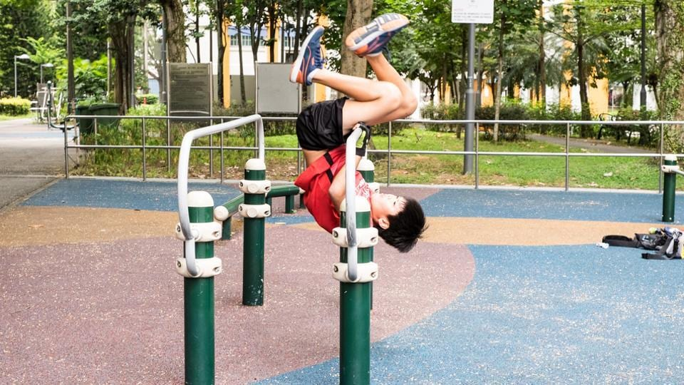 Child experts say children should be encouraged to run or indulge in some physical activity when they take a break from studies.