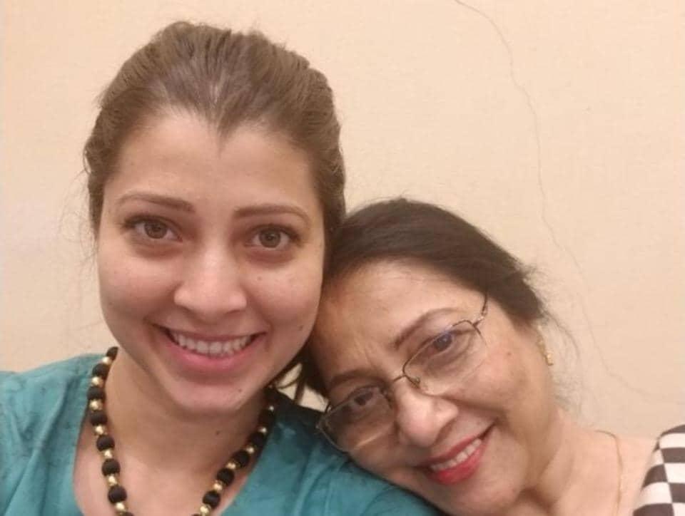 Actor Tejaswini Pandit with mom Jyoti Chandekar