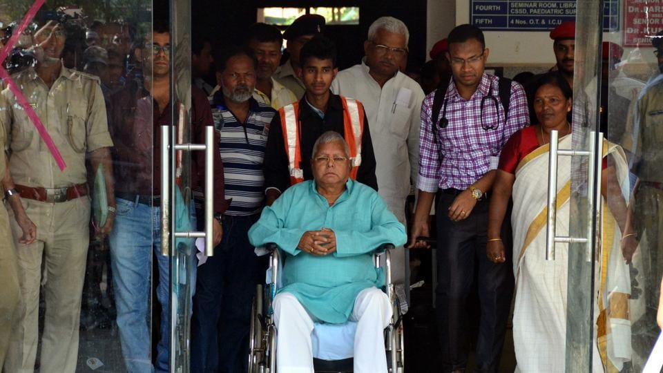 RJD president Lalu Prasad was granted a six-week provisional bail on Friday by the Jharkhand high court on medical grounds in the fodder scam cases, his lawyer Prabhat Kumar said.. Currently, Prasad is on a three-day parole to attend his elder son Tej Pratap Yadav's marriage in Patna on Saturday. (Hardeep Singh / HT Photo)