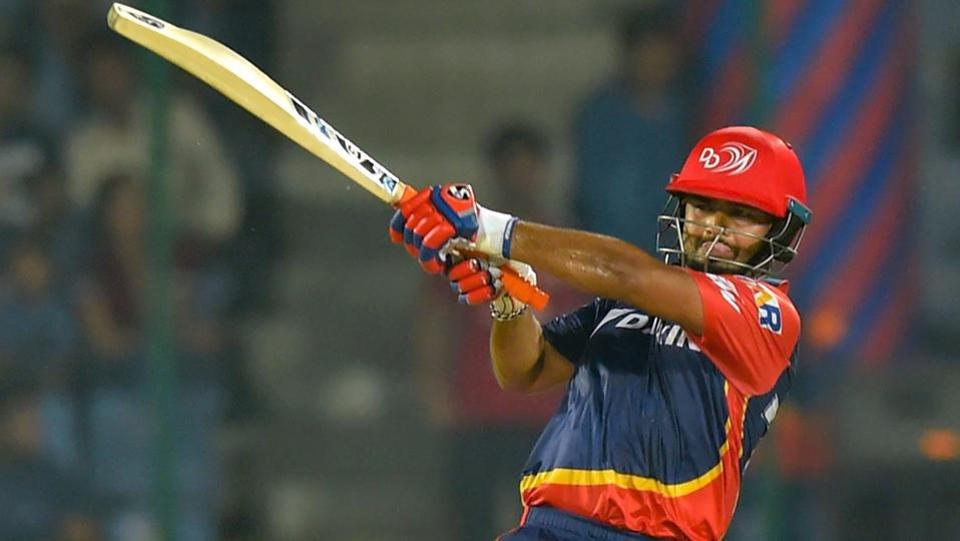 Delhi Daredevils' Rishabh Pant goes for the big one.  (PTI)