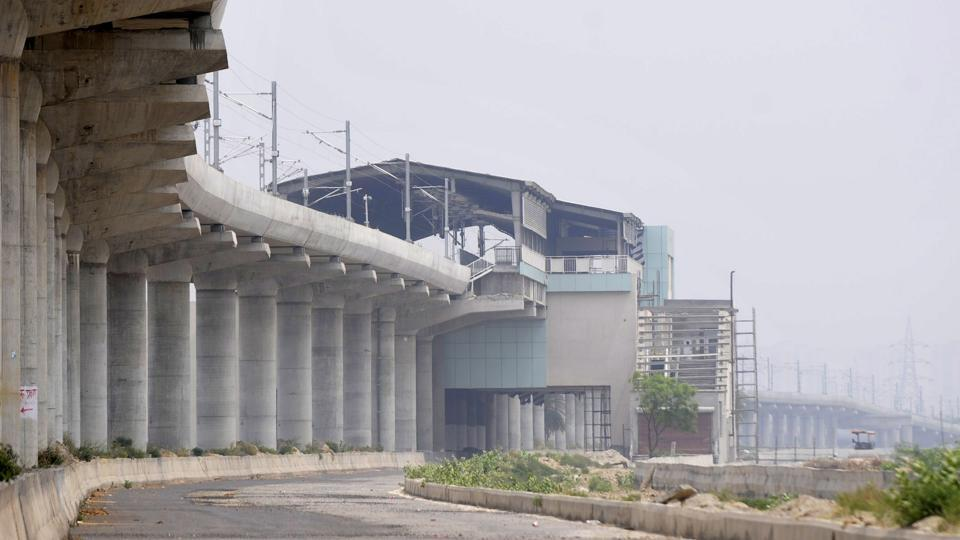 A meeting of senior officials from the Delhi metro rail corporation (DMRC), the Noida metro rail corporation (NMRC), the Noida Authority and the Yamuna Expressway Industrial Development Authority (Yeida) took place on Saturday to review the progress of the aqua line.