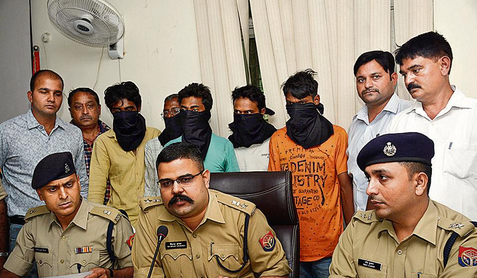 The crime branch of Ghaziabad police arrested five people for abduction, rape and murder of a 15-­year­-old girl whose body was recovered from Meerut in January, in Ghaziabad.