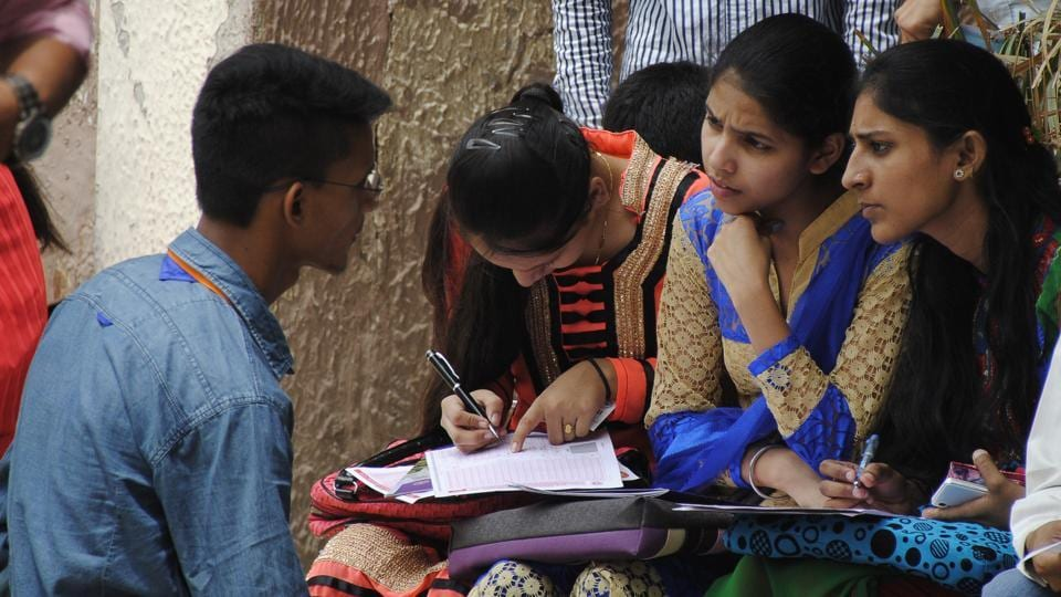 Tamil Nadu 12th results 2018 declared, 6754 schools score 100% results