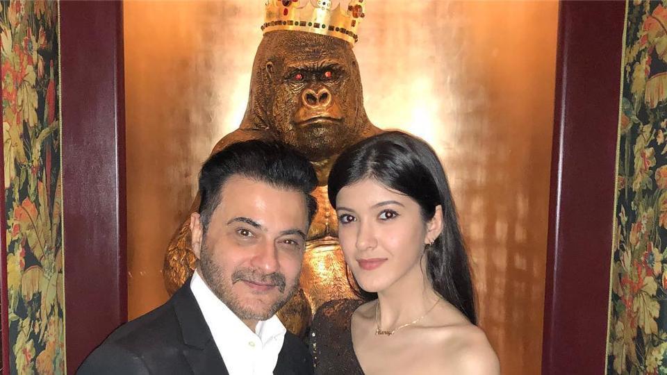 Sanjay Kapoor and daughter Shanaya in a new pic.