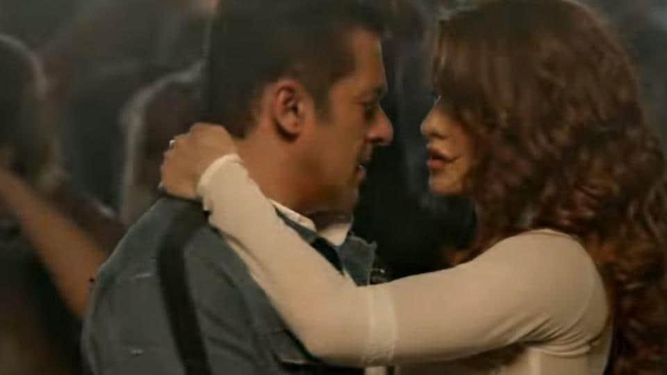 Salman Khan and Jacqueline Fernandez in Race 3 song Hiriye's teaser.