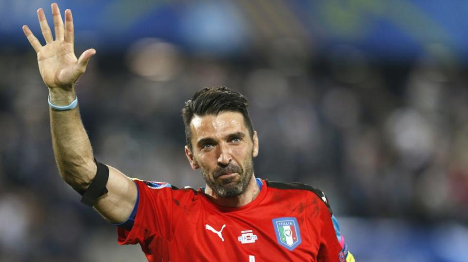 Buffon calls time on stellar Juve career
