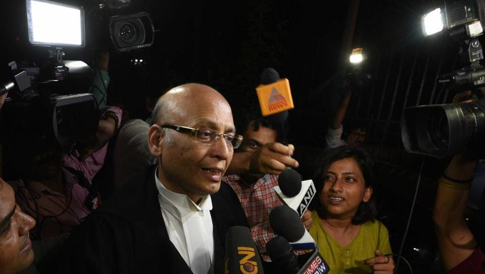 """Abhishek Manu Singhvi arrives at Supreme Court for the hearing of a Congress and JD(S) petition challenging the Karnataka Governor's decision. """"The BJP has only 104 MLAs, the Governor invited Yeddyurappa to form government in an unconstitutional manner,"""" senior counsel Singhvi, who appeared for the Congress, told the three-member bench of Justices A.K. Sikri, S.A. Bobde and Ashok Bhushan, during a midnight hearing. (Arvind Yadav / HT Photo)"""