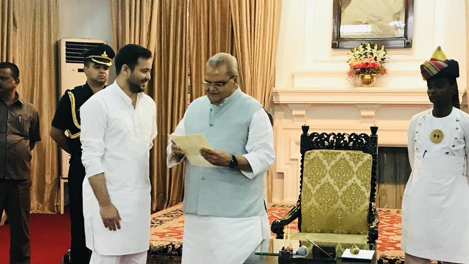 RJD leader Tejashwi Yadav meets Bihar Governor Satyapal Malik to stake claim to form government in the state.