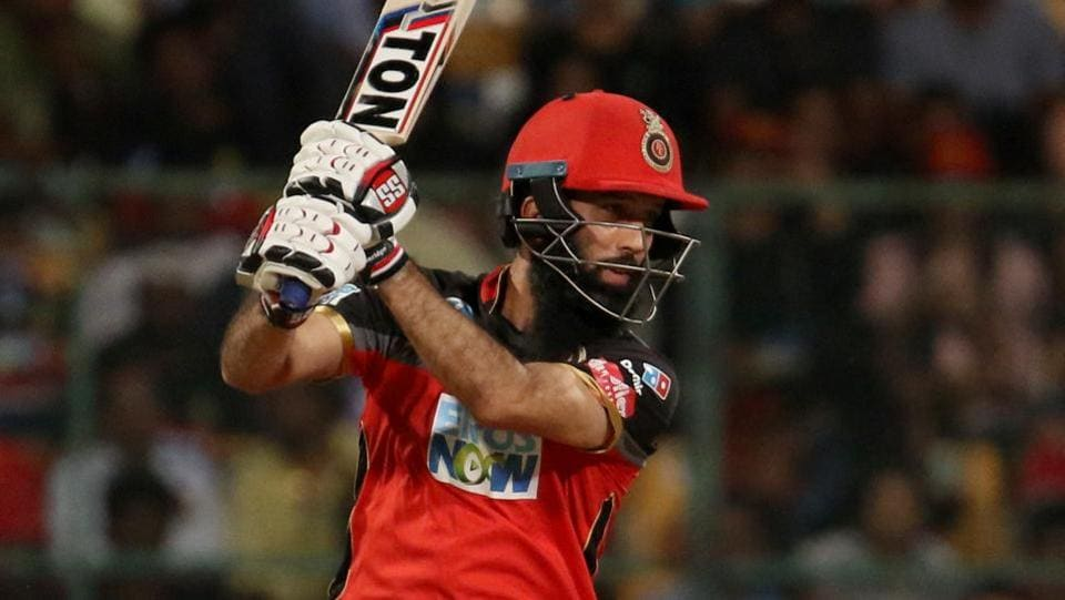 Moeen Ali hit six sixes as RCB built on his and De Villiers' fifties to post 218/6. (BCCI)