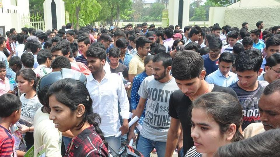 JEE (Advanced) 2018: The candidates would be able to take their seat in the examination hall after biometric registration and verification by 7.45am for paper one and by 12.45pm for paper two.
