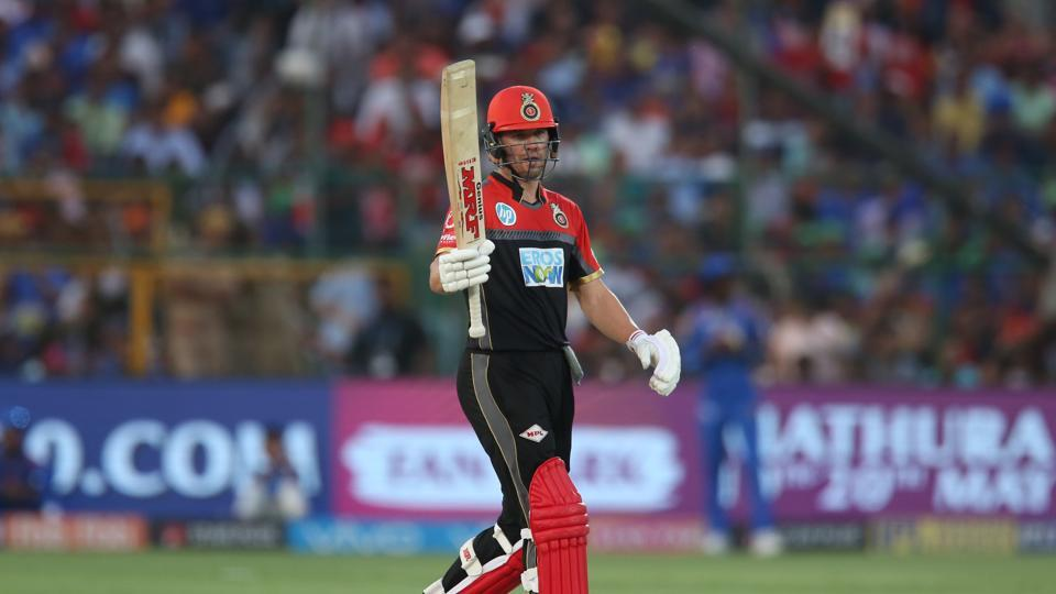 AB de Villiers played some attacking strokes and registered his sixth fifty in IPL 2018 to put RCB on course for a win. (BCCI)