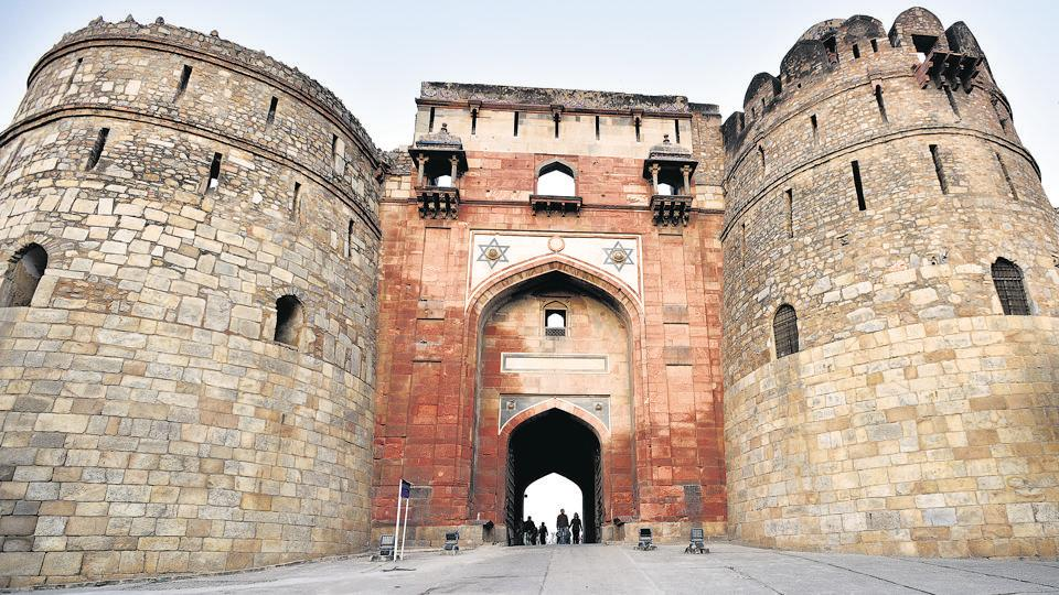 The total collection of pottery and artefacts at the 16th century Purana Qila is over two lakh.