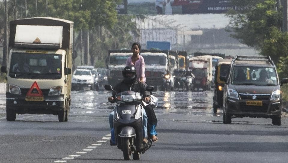 The day temperature recorded in Mumbai on Saturday was a degree Celsius above normal.