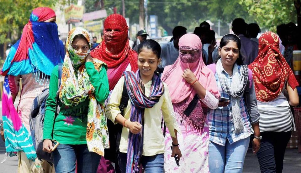 The MeT department has predicted heat wave conditions at isolated places in the Punjab-Haryana region during the next 48 hours.