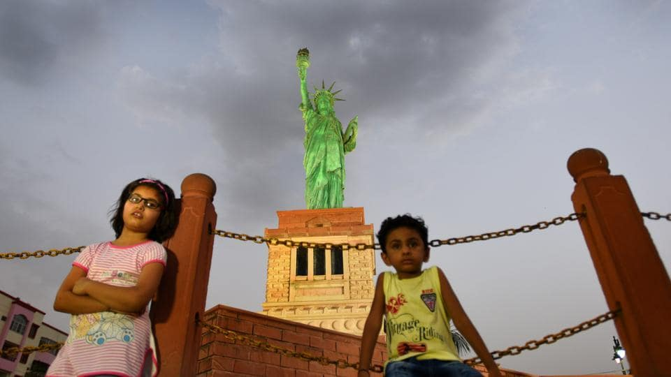 No need going through the hassle of an H1B visa for this one. Walk right up to this replica of New York's Statue of Liberty –the spirit of America personified, at least according to the French. (Raj K Raj / HT Photo)