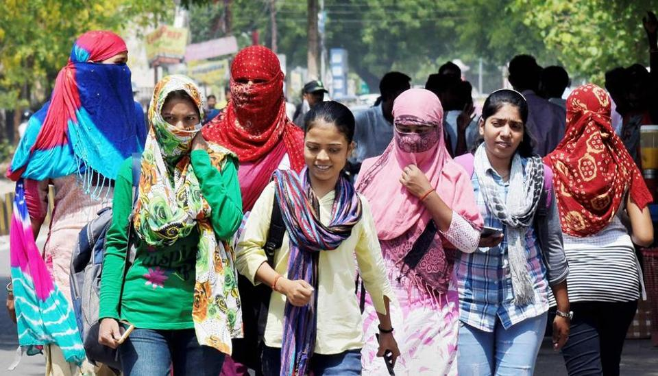 While the maximum temperature shot up to 44 degrees Celsius at Safdarjung, which was four degrees above the normal, the mercury touched 46 degrees Celsius at Palam, which was six degrees above the normal.