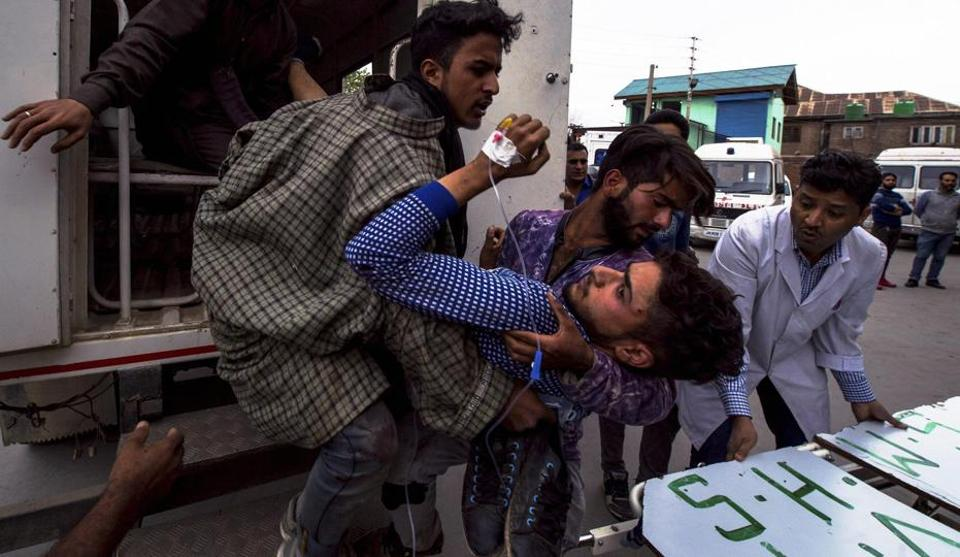 Indian Army,Iftaar,Stone-pelting