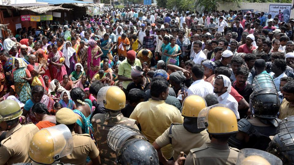 A man was killed in fresh police firing on anti-Sterlite plant agitators on Wednesday, while some others were injured in clashes with security personnel in Tamil Nadu's Tuticorin town, a day after ten people were killed in police firing in the town. Locals have been agitating for over 100 days demanding the closure of Vedanta Group's Sterlite copper plant over pollution concerns. (HT File)