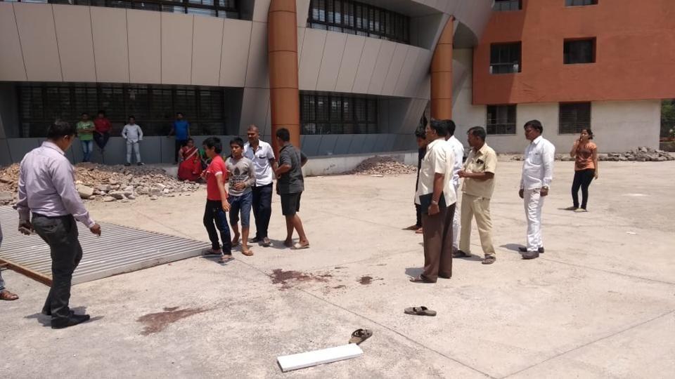 Navi Mumbai,School gate falls on boys,12-year-old dies