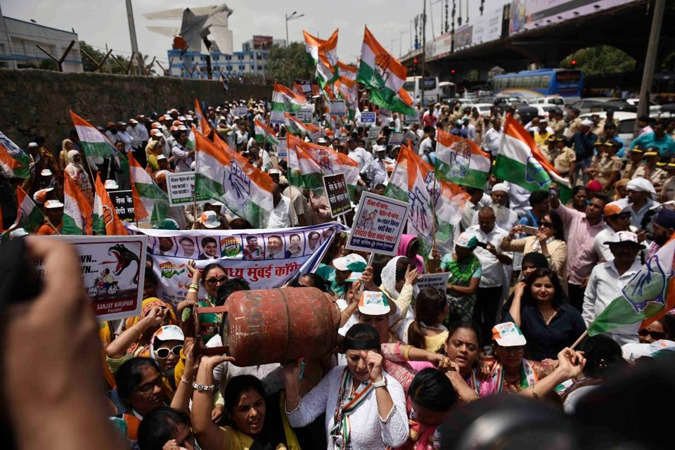 Horse owners arrested,Mumbai,Congress protest rally