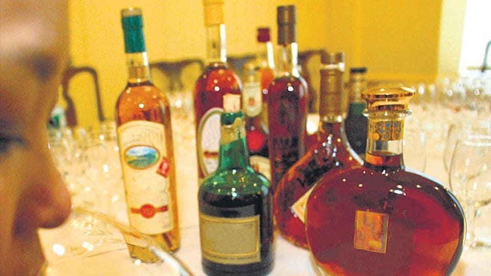 Delhi,Drinking age,Delhi HC