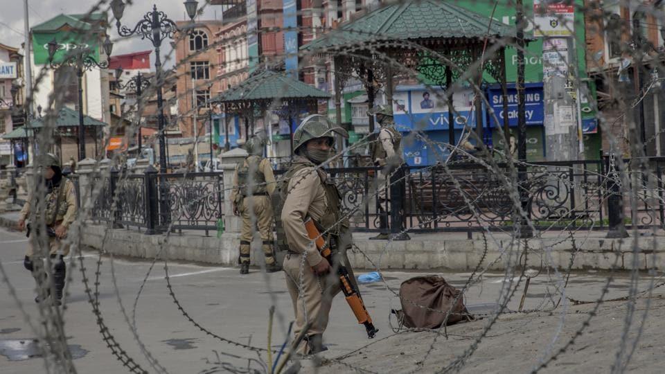 Kashmir,Bandipora,Militants kill civilian