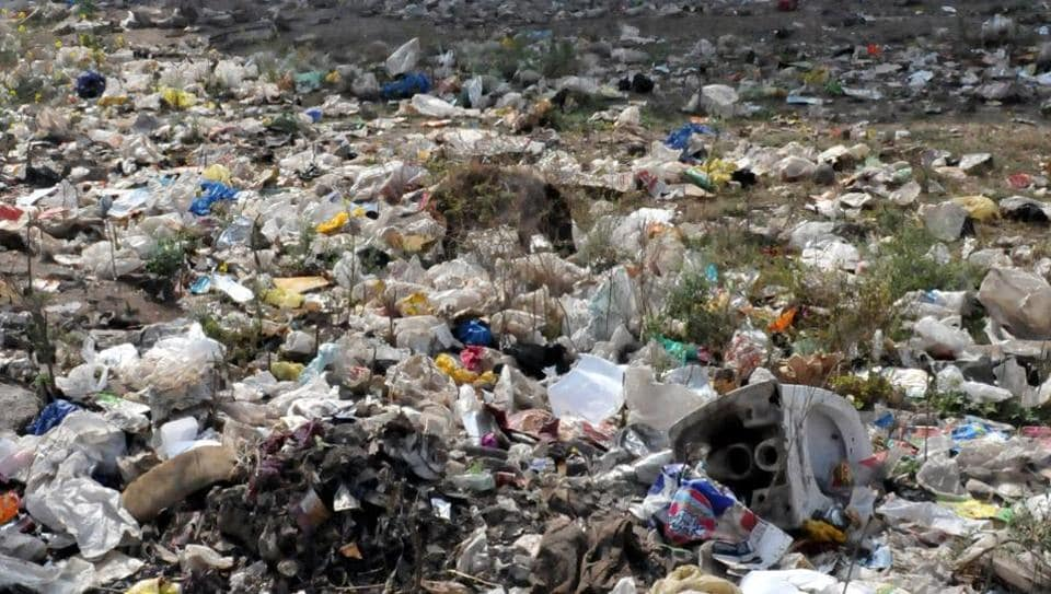 Pune generates nearly 1,600 tonnes of garbage every day, of which250 tonnes is wet garbage, 850 tonnes is dry, while 5,00 tonnes is mixed. Twelve per cent of the garbage consists of plastic.
