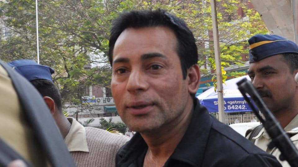 Abu Salem come back from Hyderabad hearing on his fake passport and other case at Dadar in loaded at Arthur Road Central Jail in Mumbai.