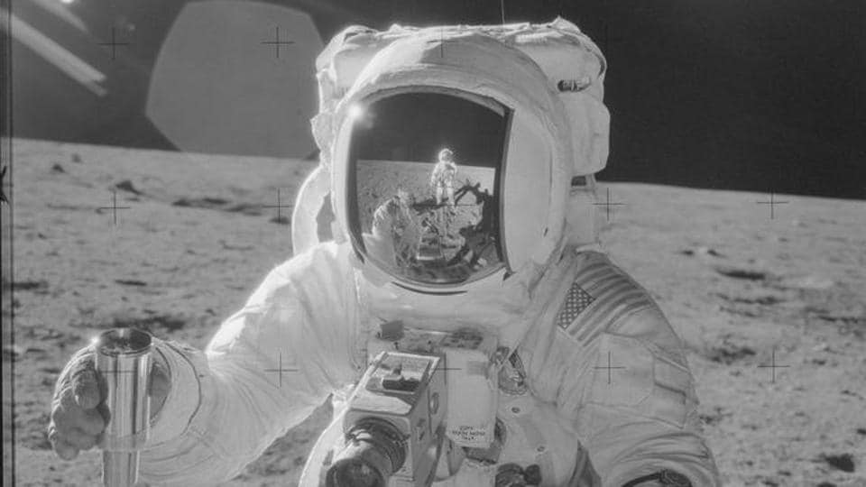 Moonwalker and space artist Alan Bean dies