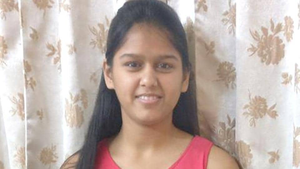 Topper Yana Gupta, who scored 98.8% in class 10 board exams.