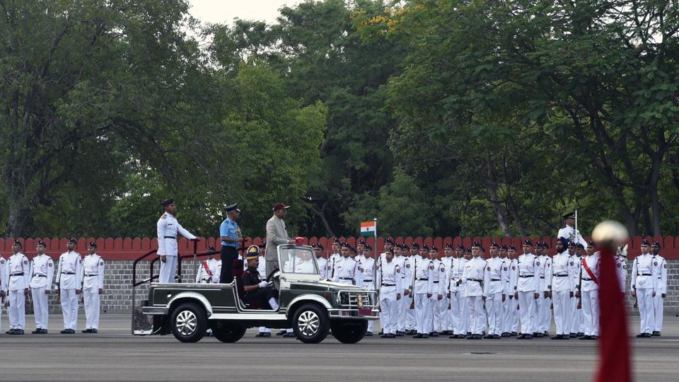 Ram Nath Kovind, President of India reviews the passing out parade of 134th course of spring term 2018 at National Defence Academy (NDA) in Pune. (Pratham Gokhale/HT Photo)