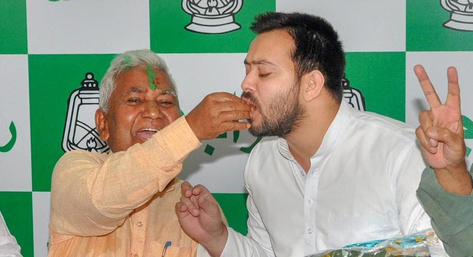 RJD leader Tejashwi Yadav asked all 'disgruntled socialists' in JD(U) to dump Nitish and join RJD to 'form a better state and nation'.