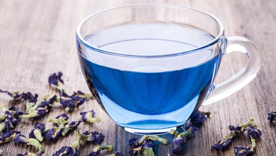 Antioxidants in the tea help lower risk of infection, which diabetics are prone to, and it is also great for your heart health.