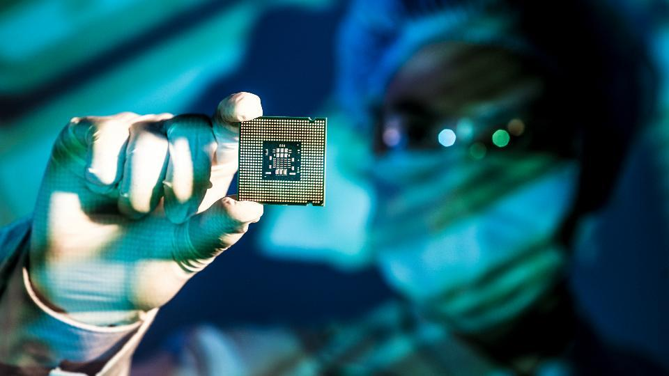 ARM says new chips have enough power to gain ground in laptops.