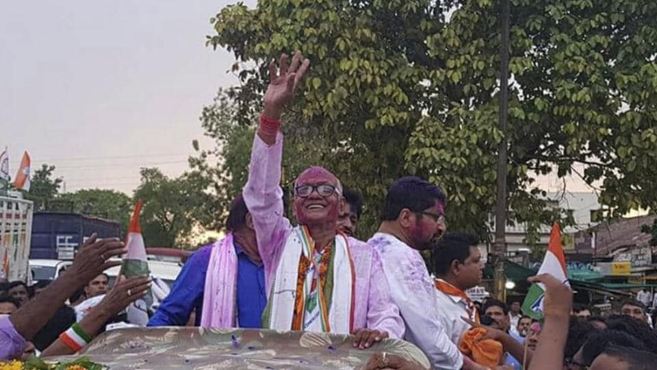 NCP candidate Madhukar Kukde with his supporters after winning the Bhandara-Gondiya Lok Sabha by-election.