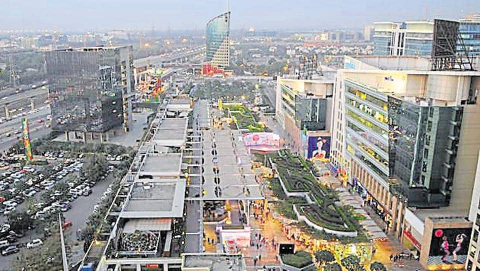The skyline view of cyber city, cyber hub and gateway tower building in Gurgaon.