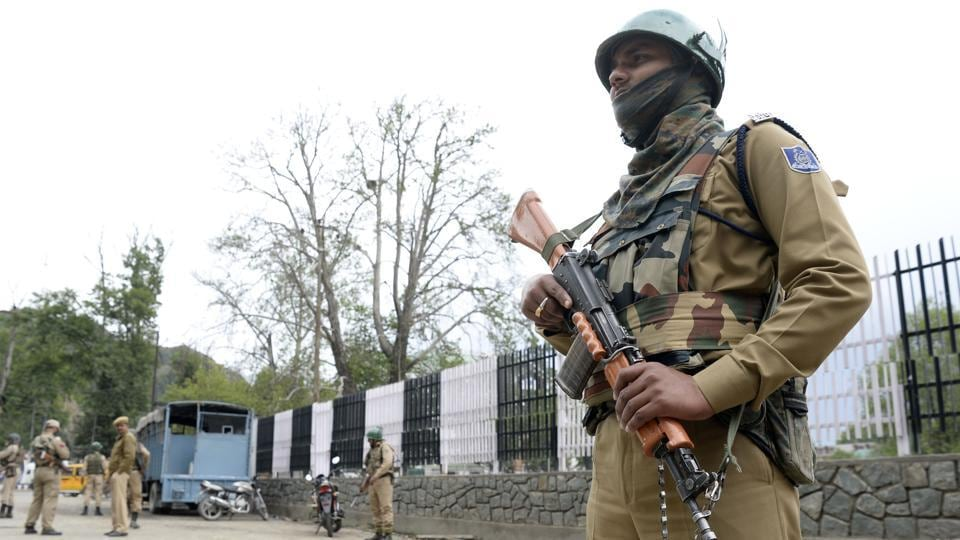Paramilitary troopers stand guard in Srinagar earlier this month. Security forces in Jammu and Kashmir have been put on high alert in view of inputs indicating impending militant attacks.