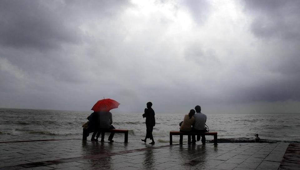 A rainy day at Bandra bandstand.