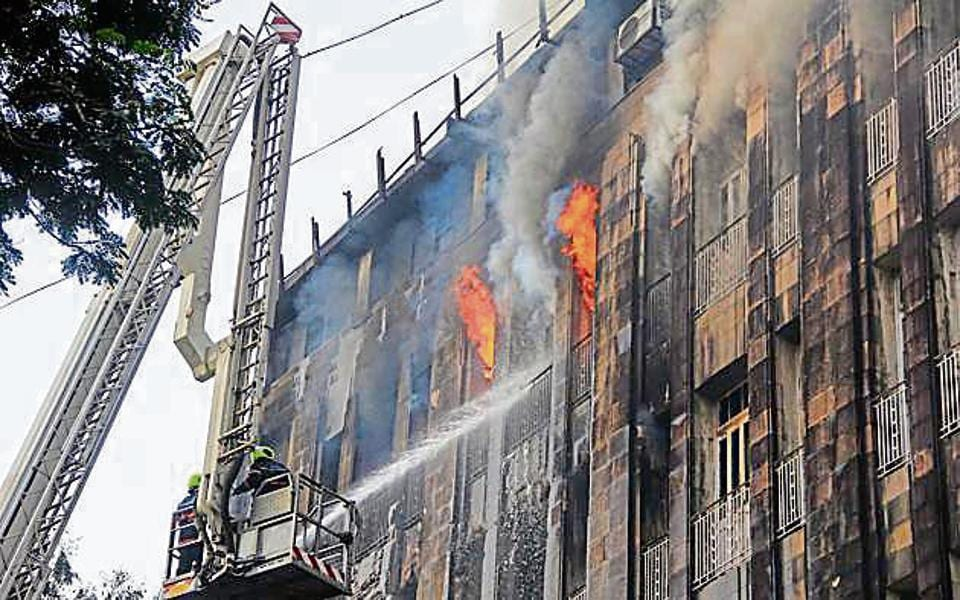Mumbai,Mumbai fire,fire in Scindia House
