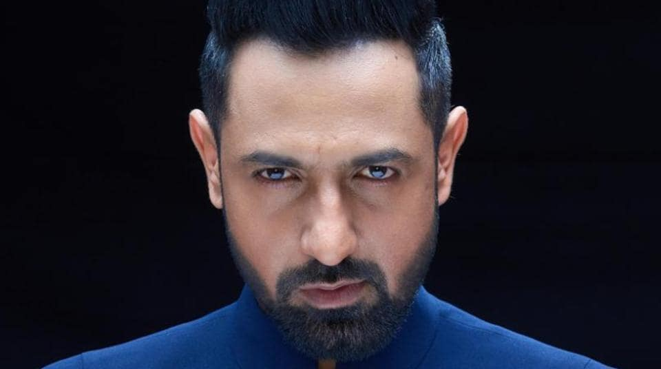 "Gippy, who is presently promoting his new movie ""Carry on Jatta 2"" across Punjab, is a resident of Mohali and has been part of many hit Punjabi movies including ""Ardaas"", ""Manje Bistre"", ""Subedaar Joginder Singh"" and ""Jihne Mera Dil Luteya""."