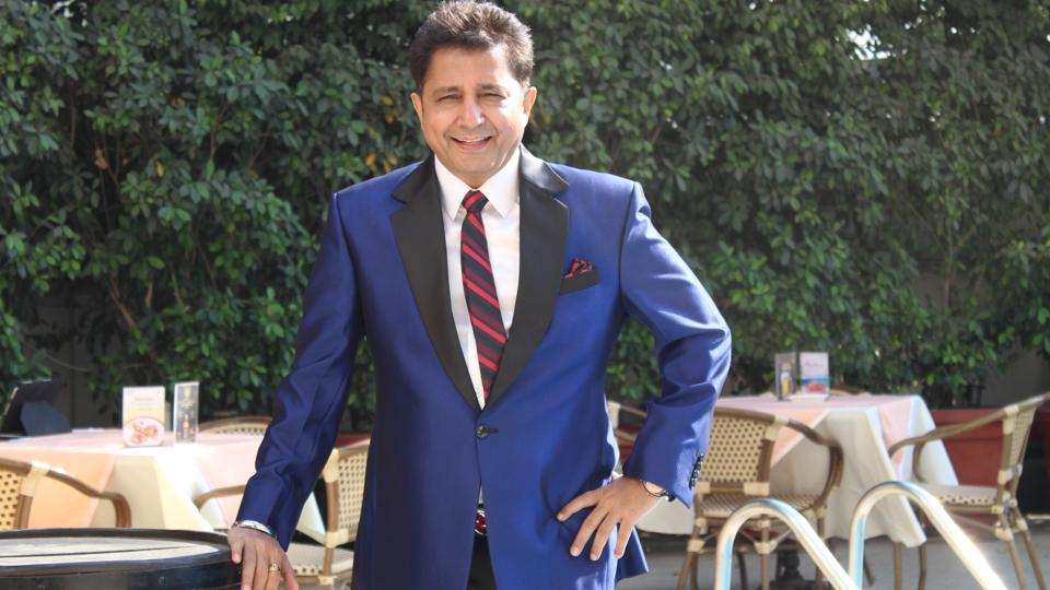 Singer and performer Sukhwinder Singh believes that his energy and mood reaches a 100 per cent when the song is a dance number
