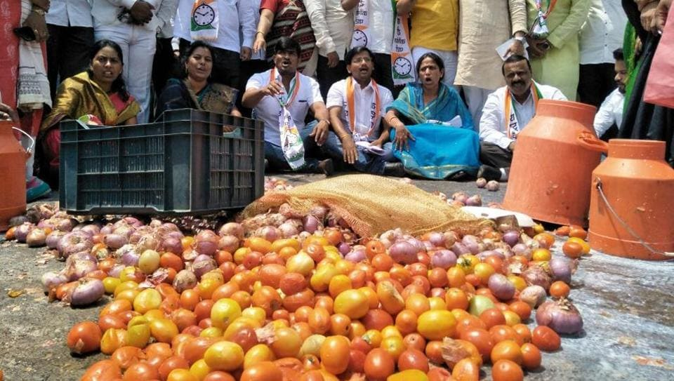 Farmer protests,Vegetable prices,Farmers