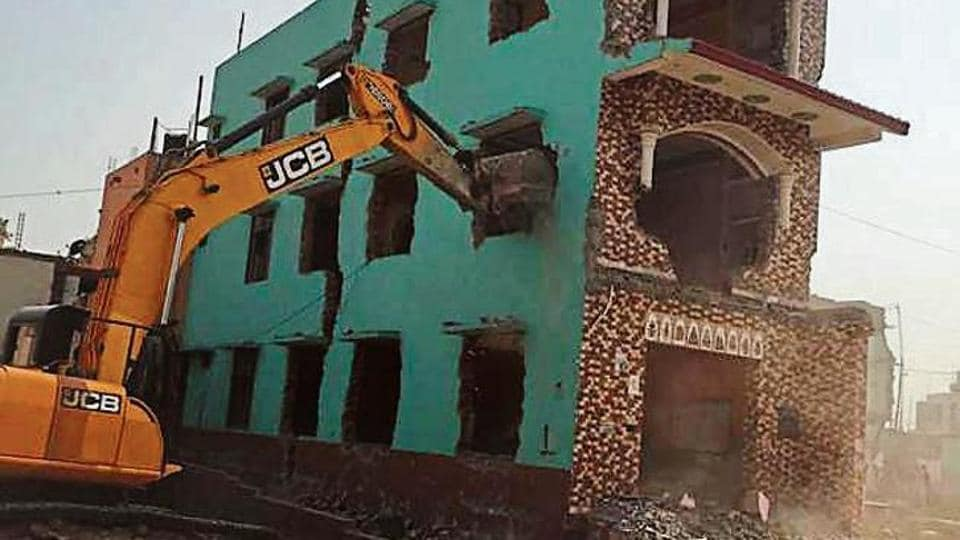 The Huda has finishing razing almost all houses on the 600-metre stretch in Khandsa village to widen Badshahpur drain.