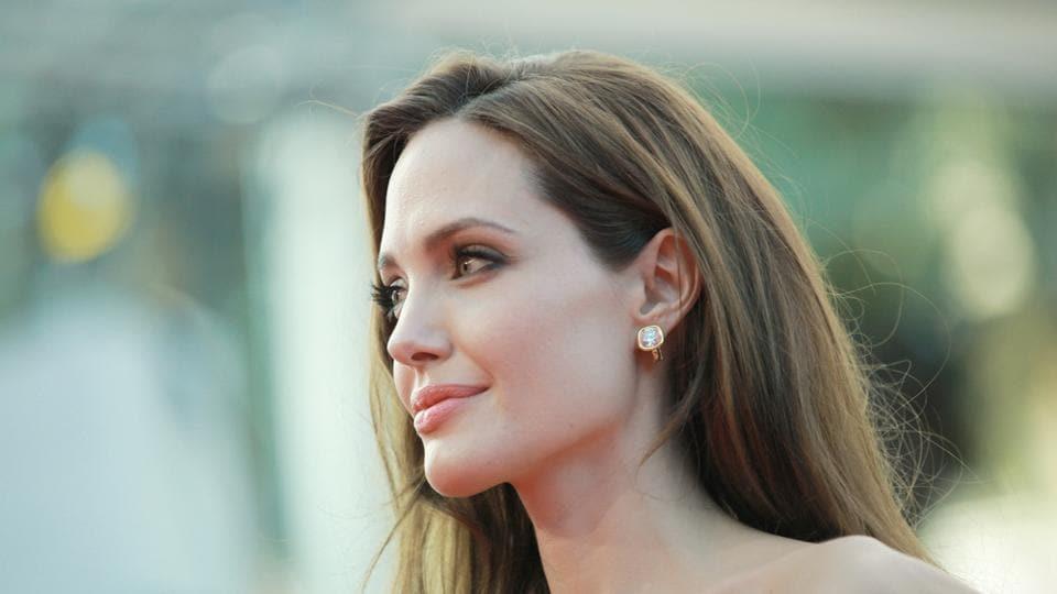 Angelina Jolie,Helena Bonham Carter,Daniel Craig