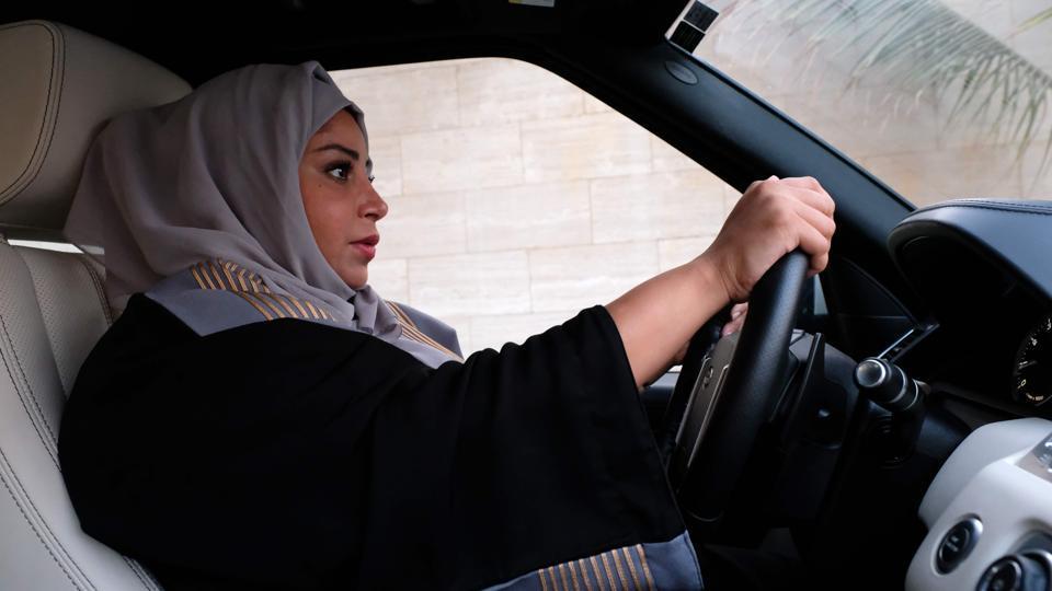 Saudi Arabia,Saudi women drivers,Driving licences to women