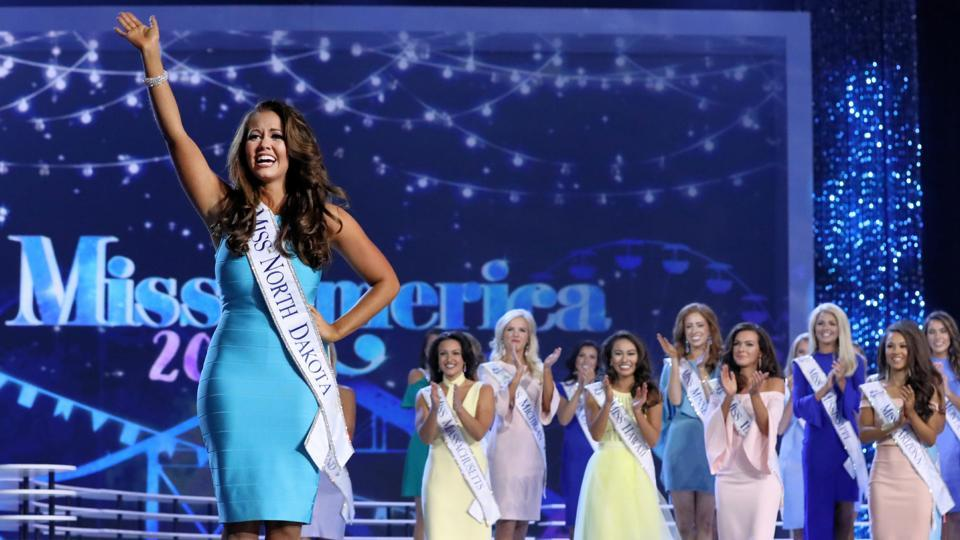 Cara Mund, winner of the Miss America Competition 2018.