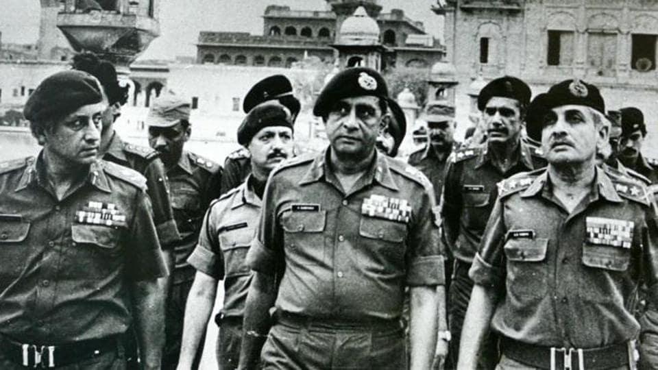 (Left to right) Maj Gen Kuldip Singh Brar, Gen Krishnaswamy Sundarji and Gen A S Vaidya at the Golden Temple after Operation Bluestar.