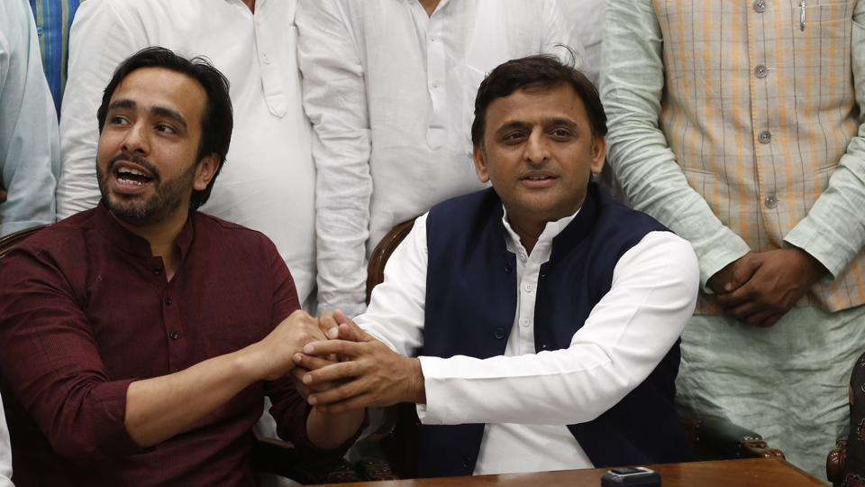 Samajwadi Party chief Akhilesh Yadav with RLD leader Jayant Chaudhary in Lucknow on Wednesday.