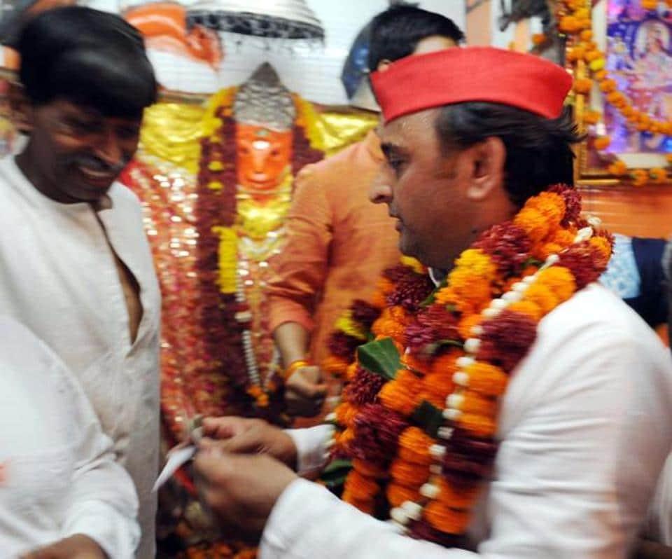 Samajwadi Party chief Akhilesh Yadav at a Hanuman temple in Lucknow.